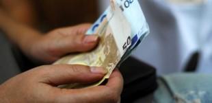Επίδομα 534 ευρώ: Πότε καταβάλλονται τα χρήματα σε 611.618 δικαιούχους