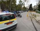 Αστυνομικός σώζει από τις φλόγες μια ηλικιωμένη και ένα παιδί στην Γλυφάδα