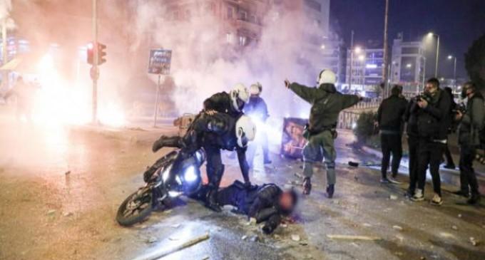 Στ. Μπαλάσκας: Αυτός που έριξε τον αστυνομικό από τη μηχανή θα πληρώσει στη Δικαιοσύνη -Ξεκίνησαν οι έρευνες ταυτοποίησης