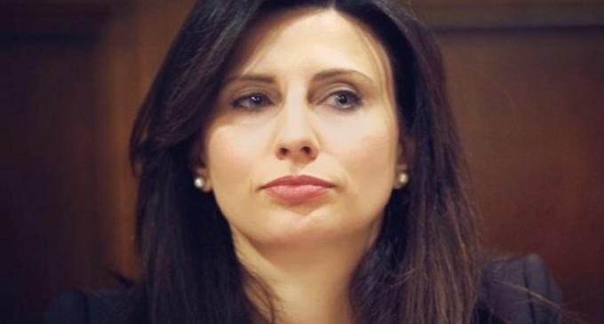 Η Νίνα Κασιμάτη στη Βουλή για την αύξηση κρουσμάτων κορωνοϊού στη ΝΕΖ