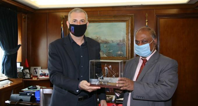 Εθιμοτυπικές συναντήσεις του Δημάρχου Πειραιά Γιάννη Μώραλη με τους πρέσβεις της Ινδίας και της Δημοκρατίας της Ινδονησίας