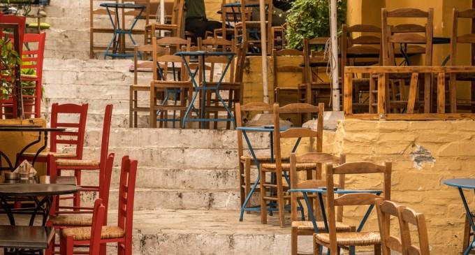 Ετοιμασίες για να ανοίξει η εστίαση, μαζί με τον τουρισμό, μετά το Πάσχα -Σε εξωτερικούς χώρους