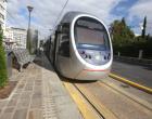 Σύγκρουση αυτοκινήτου με το τραμ στην Καλλιρρόης – Εγκλωβίστηκε ηλικιωμένος