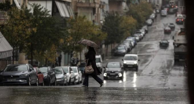 Καιρός: Καταιγίδες, λασποβροχές και αφρικανική σκόνη τη Δευτέρα