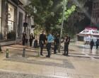 Νέα Σμύρνη: Η ομάδα «ΟΔΟΣ» στην πλατεία μετά το μαχαίρωμα του 60χρονου