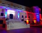 Ο Δήμος Σαλαμίνας φώτισε το Δημαρχιακό Μέγαρο προς τιμήν της ιστορικής μάχης της Κρήτης του 1941