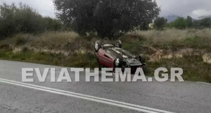 Σοκαριστικό τροχαίο στη Χαλκίδα: Αυτοκίνητο έφερε τούμπες και σταμάτησε πάνω σε δέντρο