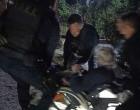 Πυρκαγιά Σχίνος: Άνδρες της ΟΠΚΕ απεγκλώβισαν ηλικιωμένο με αμαξίδιο