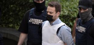 Έγκλημα στα Γλυκά Νερά: Σε 12 τετραγωνικά με 3 κρατούμενους ο πιλότος – Οι πρώτες ώρες στο κελί