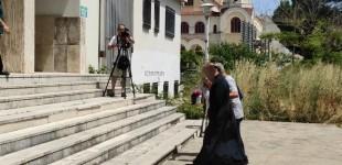 Αγρίνιο: Δίωξη για βιασμό και παιδική πορνογραφία στον ιερέα που κατηγορείται για βιασμό ανήλικης