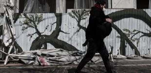 Τέλος οι μάσκες στους εξωτερικούς χώρους -Ανακοινώσεις το απόγευμα από τον Νίκο Χαρδαλιά