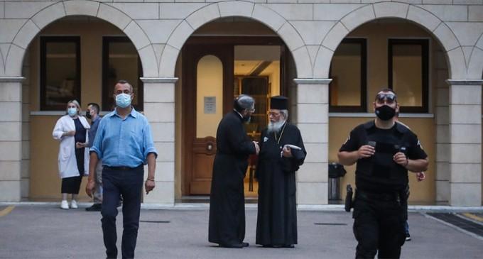 Επίθεση με βιτριόλι στη Μονή Πετράκη: «Μπουμπούκι» και στα νιάτα του ο ιερέας