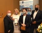 Απονομή βραβείου στον Περιφερειάρχη Αττικής και Πρόεδρο του ΙΣΑ Γ. Πατούλη για τη δράση και τη συνδρομή του στην αντιμετώπιση της πανδημίας από τον όμιλο Med-Professionals