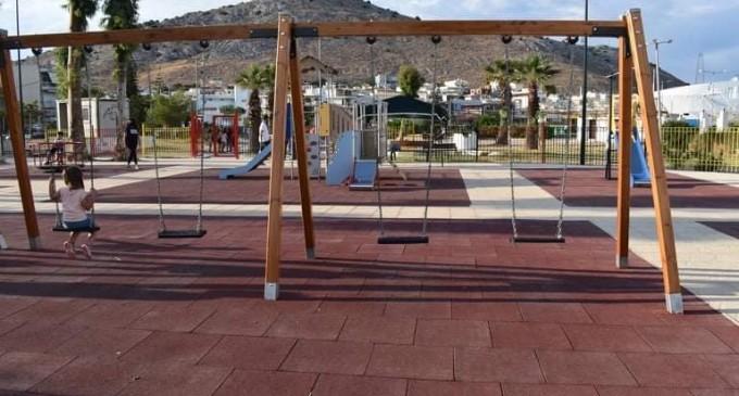 Δύο ακόμη παιδικές χαρές έτοιμες από τον Δήμο Σαλαμίνας
