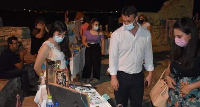 Ξεκίνησε η 1η Έκθεση Χειροτεχνών από την Ένωση Τριτέκνων Σαλαμίνας στο θεατράκι Σεληνίων