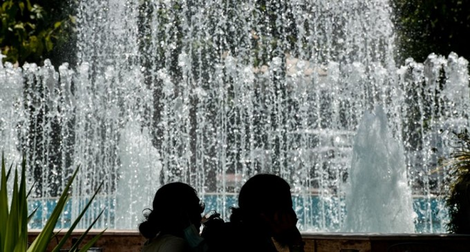 Καύσωνας: Πώς θα προστατευτείτε από τις υψηλές θερμοκρασίες – Αναλυτικές οδηγίες