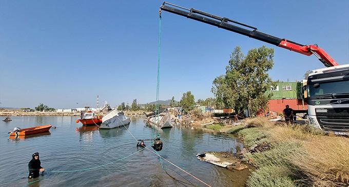 Ο.Λ.Ε. ΑΕ: Δράση καθαρισμού του βυθού και της χερσαίας ζώνης λιμένος Ελευσίνας στην περιοχή Βλύχα