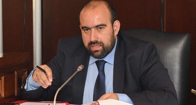 Ε. Χαρχαλάκης: Επιστολή στον Υπ. Υγείας για άμεση κάλυψη θέσεων στο Περιφερειακό Ιατρείο Αντικυθήρων