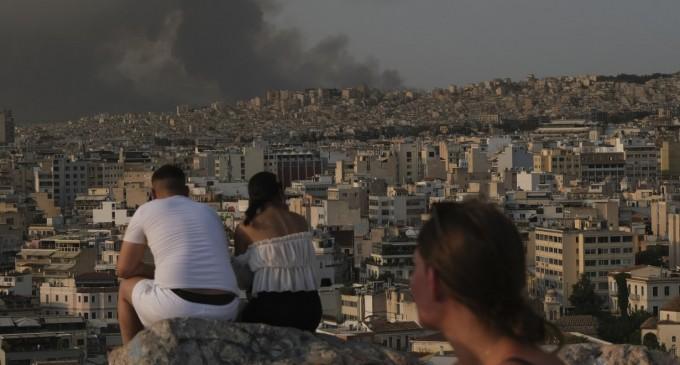 Φωτιά – SOS για τα σωματίδια καπνού: «Ιδιαίτερα τοξικά» λένε οι ειδικοί
