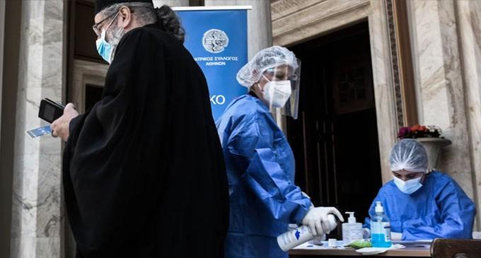 Κικίλιας: Να εφαρμοστούν τα μέτρα για τους ανεμβολίαστους -Εμβολιασμοί έξω από ναούς από την Κυριακή