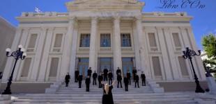 """Παρουσίαση του """"Ύμνου εις την Ελευθερίαν"""" από το Πειραϊκό Φωνητικό Σύνολο Libro Coro"""