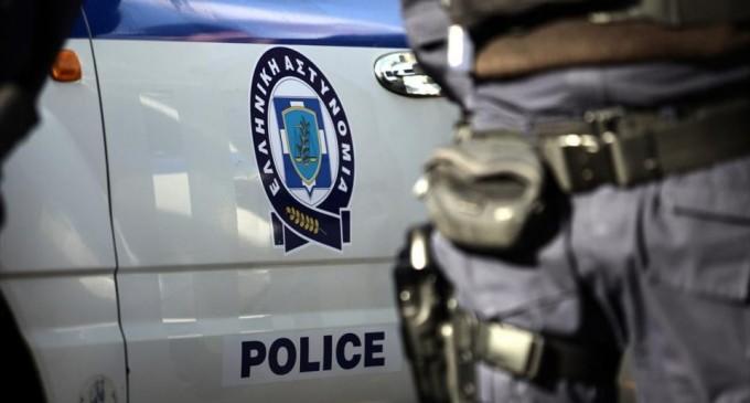 Ετοίμαζαν πόλεμο στη Θεσσαλονίκη: Βρέθηκαν δεκάδες μολότοφ σε κάδο απορριμμάτων έξω από σχολείο